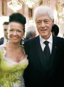Bill Clinton + Brigitte Annerl_LifeBall 2012
